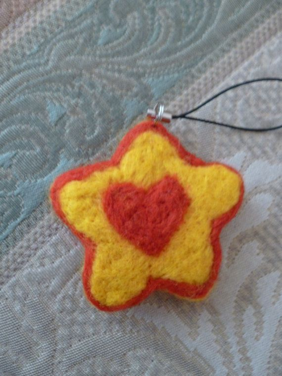 Star and Heart tree hanger by UniquelySam on Etsy, £5.00