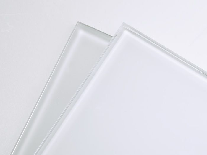 Dreamwalls Color Glass Backpainted Glass In True White