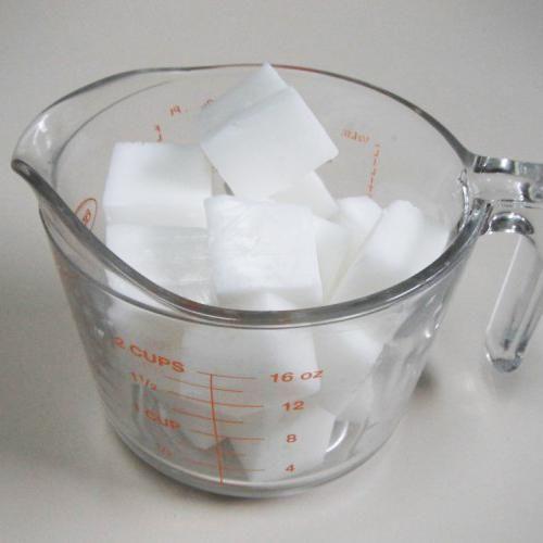 comment faire un savon de glyc rine faire des savons artisanaux est une t che facile et qui. Black Bedroom Furniture Sets. Home Design Ideas