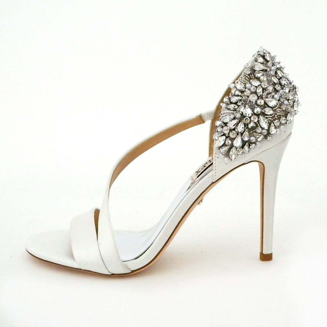 177843adcb37a Badgley Mischka Shoe has done it again. Wedding shoes for a spectacular  walk down the aisle.