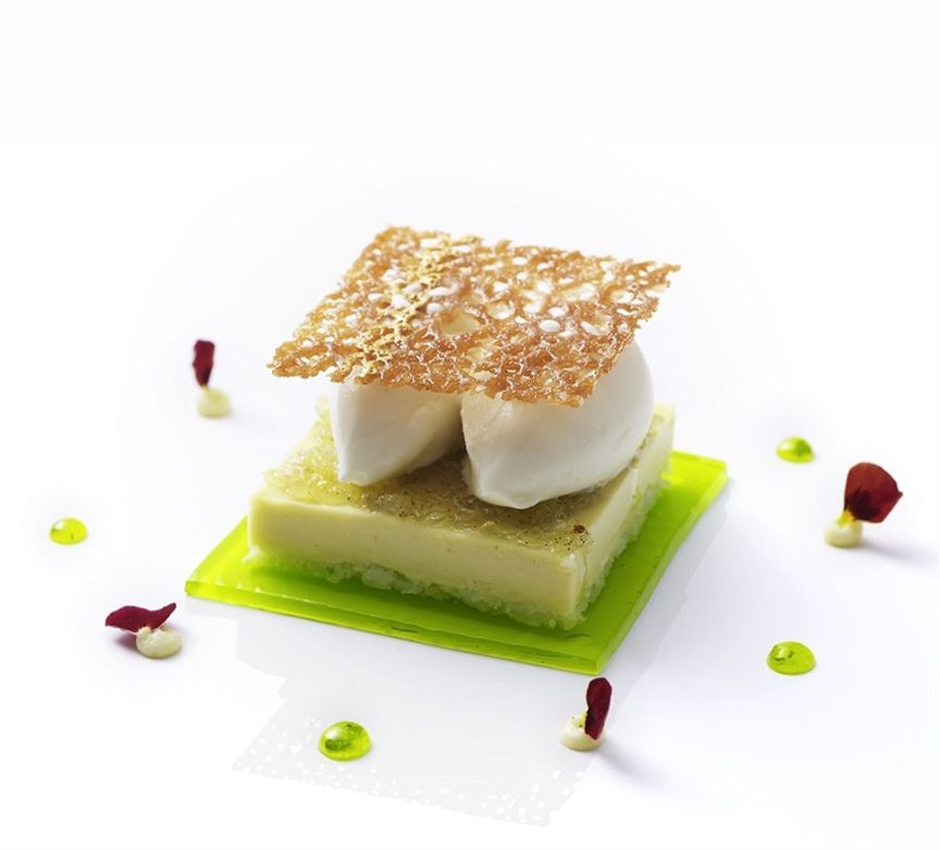 Pin By Aok Yuen On Food Art Asian Chinese Dessert Desserts Around The World Asian Desserts
