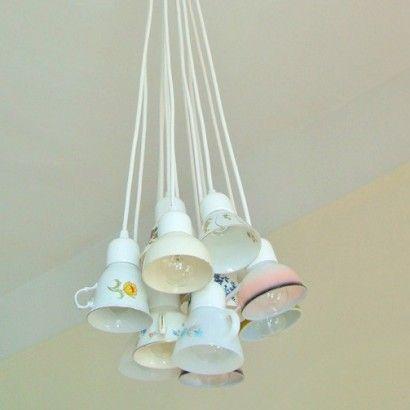 Idee lampadari fai da te. Teacups Chandelier Vintage Teacups Used For Lighting Lampada Fai Da Te Lampadari Idee Per Decorare La Casa