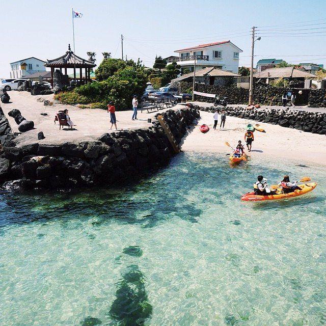 Jeju Island Beaches: 제주도 한담해변 Handam Beach, Jeju Island Photo By @1126611