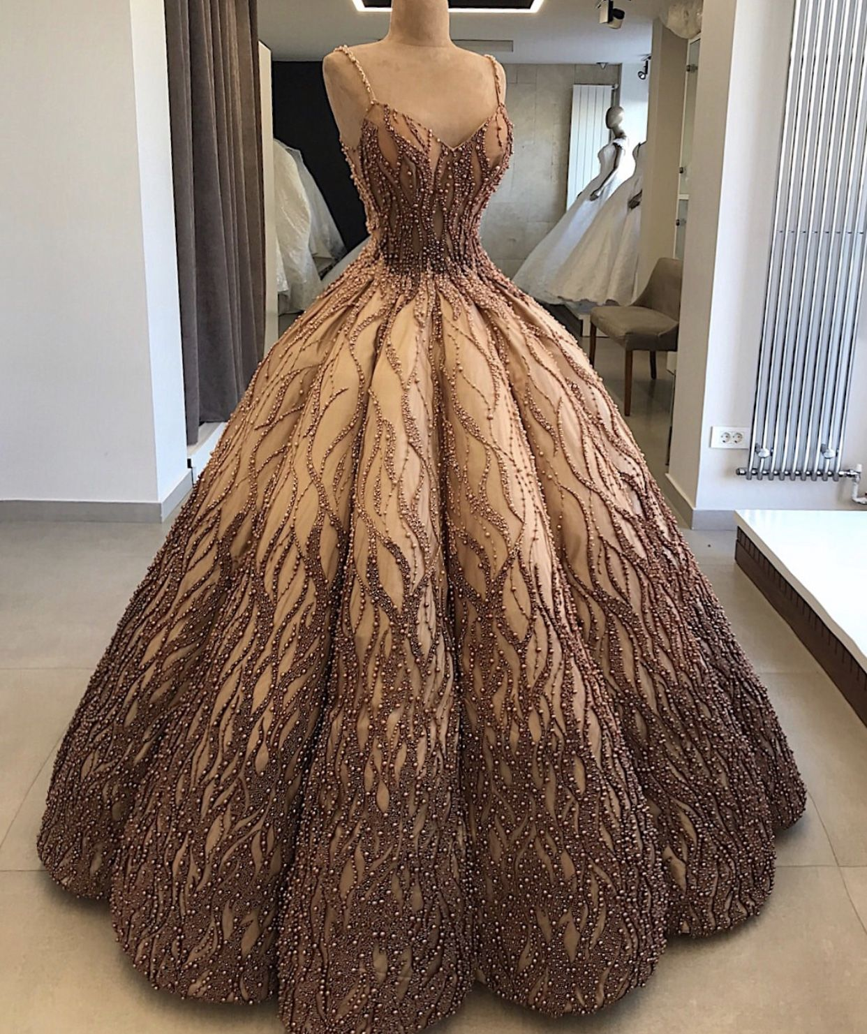 Pin By Kim Tan On Stylespiration Gowns Ball Gowns Dresses [ 1481 x 1242 Pixel ]