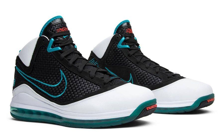 Nike lebron, Nike basketball shoes