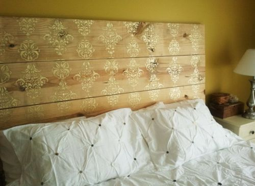 bett kopfteil matratze holzplatten blumenmuster streichen - kopfteil fur das bett diy ideen