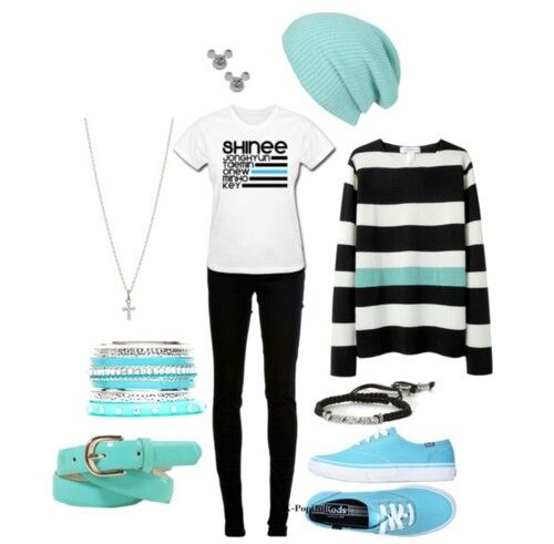 A SHINee shirt?!?!? *dies* laocnsoaiapwooepamcbskaiwoqlskfbiwoalalnfkaowo OMG!!!! I WANT THIS OUTFIT SO BAD!!!