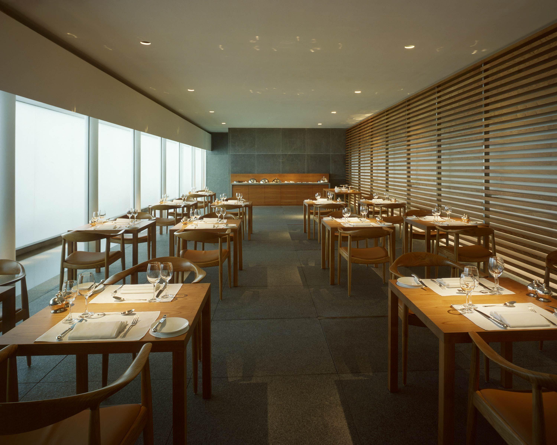 John Pawson - Cathay Pacific Lounges | Designer-John Pawson | Pinterest