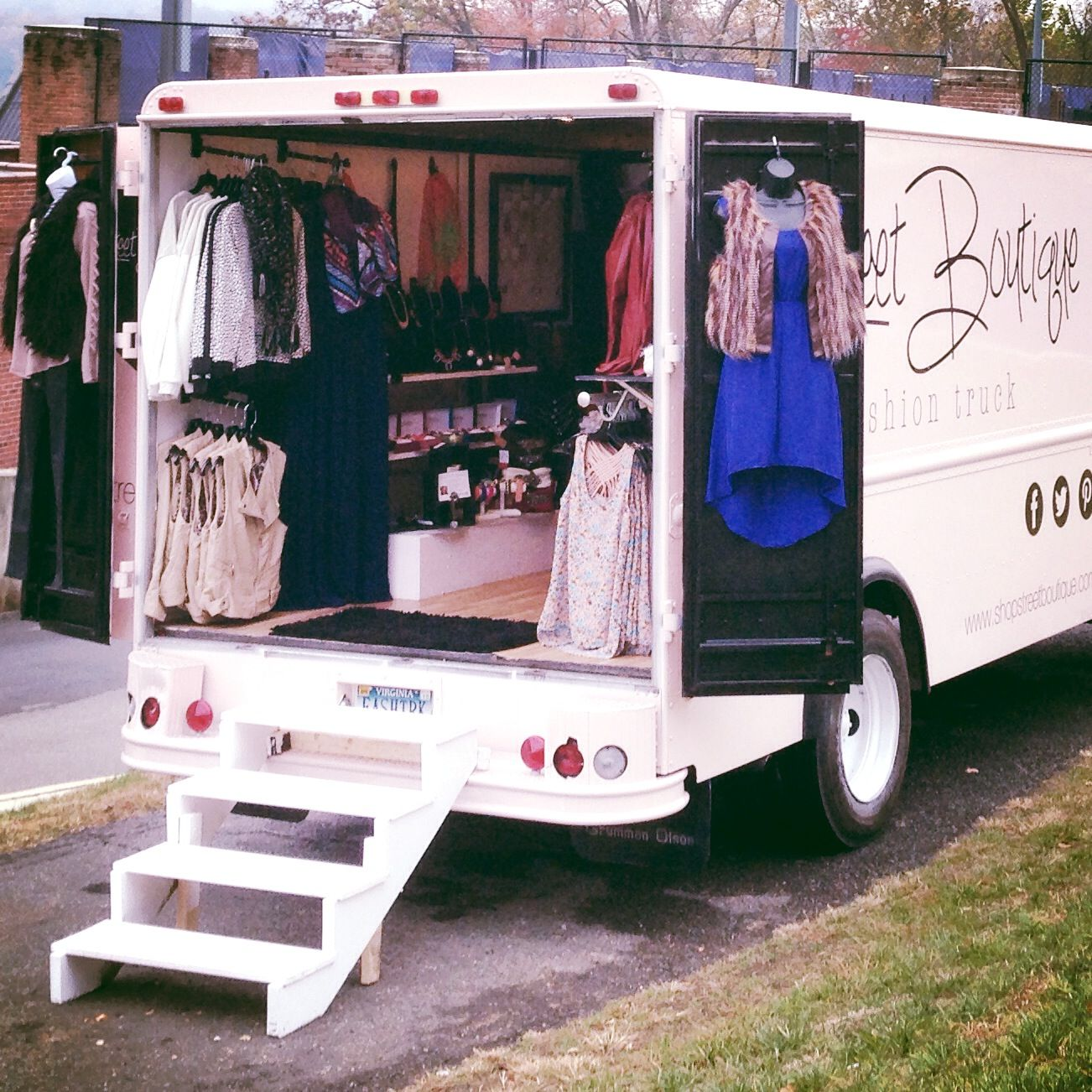 Street boutique find fashion trucks mobile boutiques for Mobel stylisch