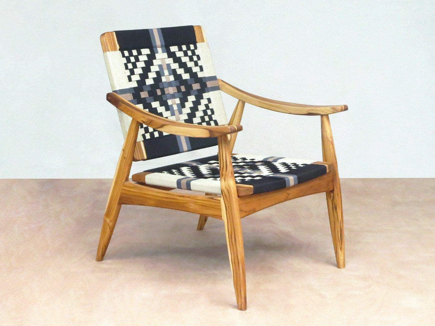 Izapa Arm Chair With Our Tejido Colonial Hand Woven