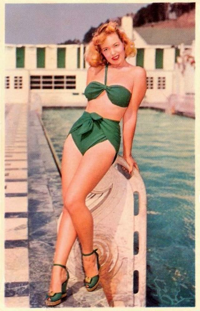 vintage everyday: Vintage Swimwear Revisited – 69 Glamorous Postcards Show Women Swimsuits in the 1940s and '50s #vintageswimwear