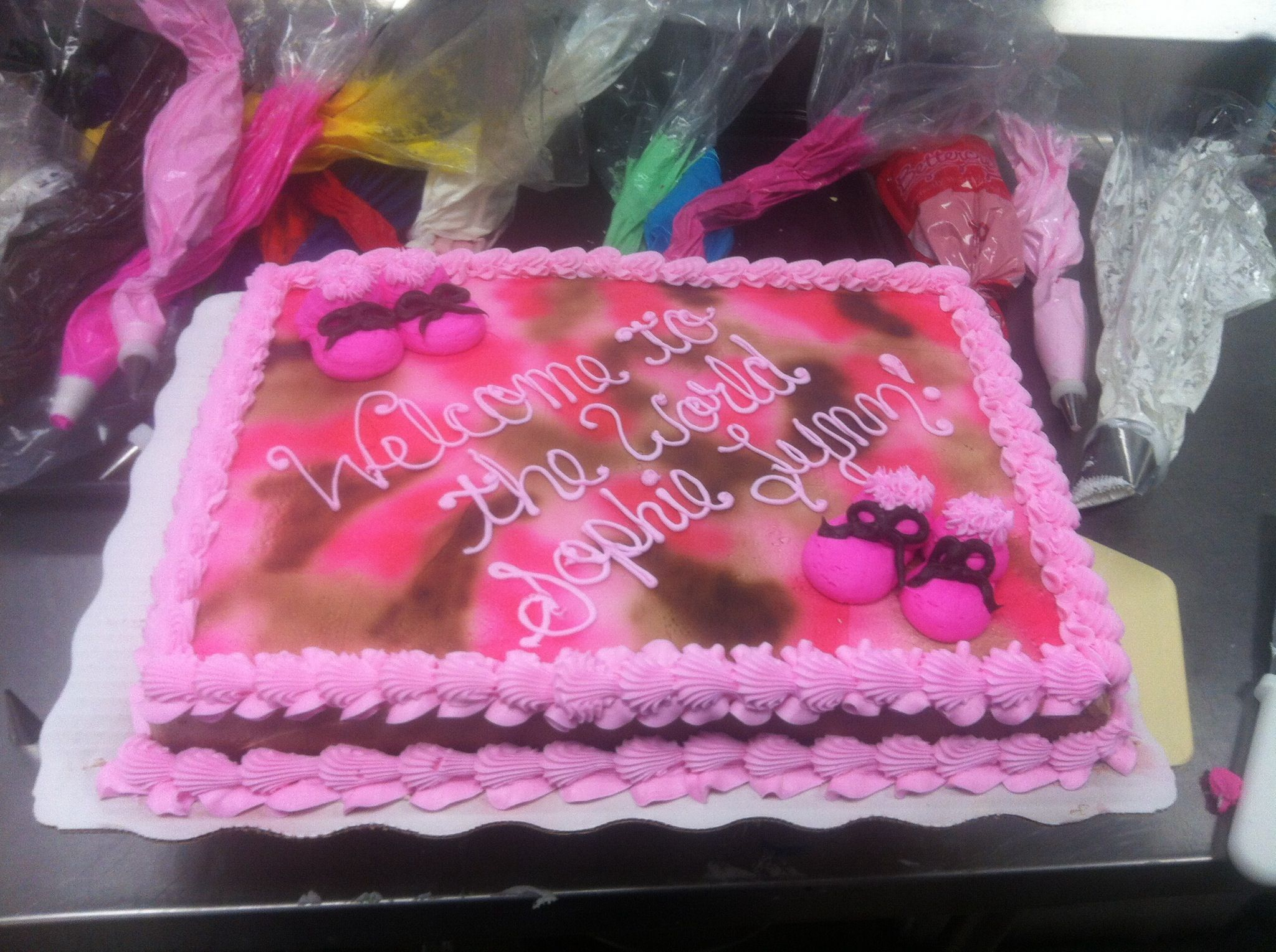 Pink camo for baby shower Cakes I ve decorated
