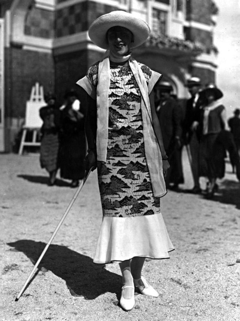 fabulous pictures of womenus street style from the s silk