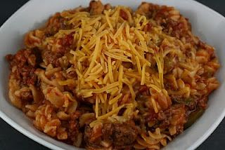 A Year of Slow Cooking: American Chop Suey (Macaroni and Beef) Slow Cooker Recipe