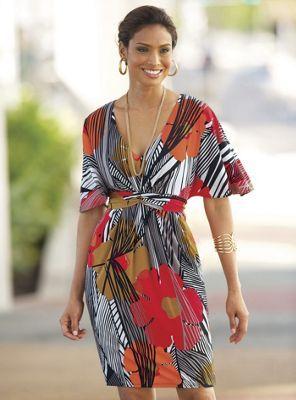 vestido señorial,manga murcielago,cuello v y terminacion falda recta