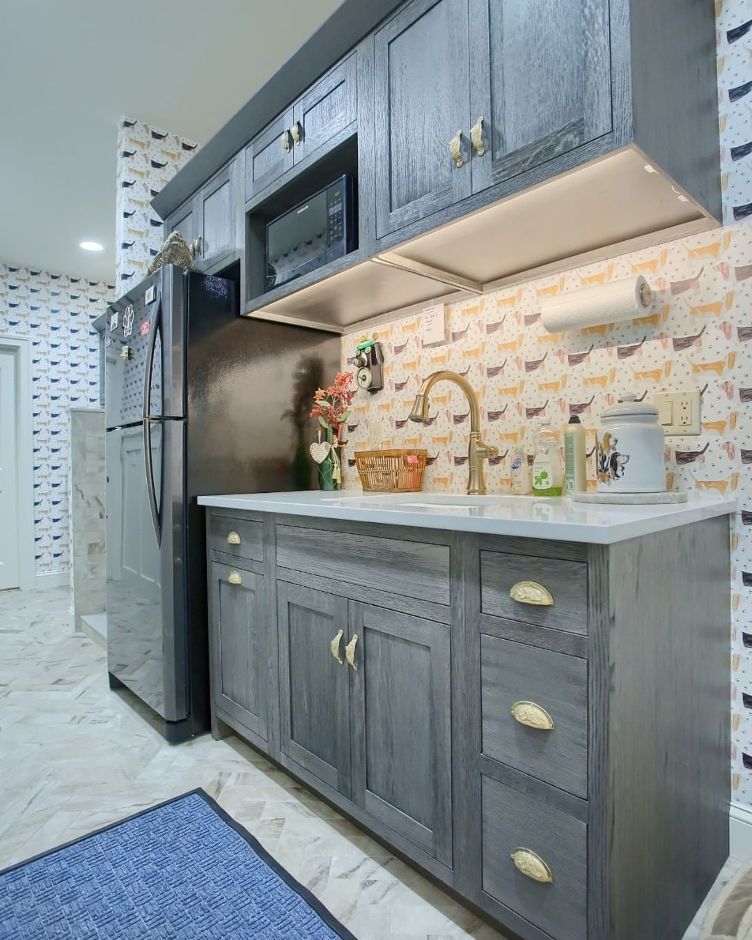 Adding A Mini Kitchen In Your Laundry Room The Perks Of Custom Cabinets Design In 2020 Mini Kitchen Custom Cabinets Cabinet Design