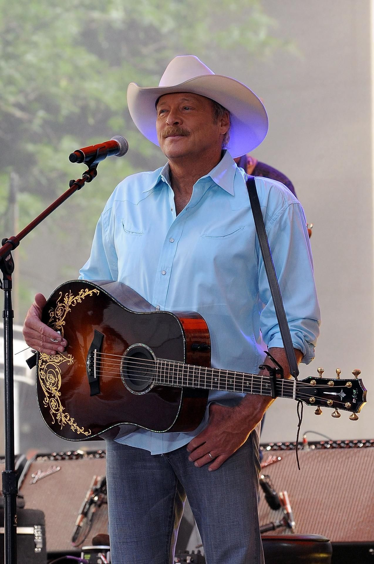 Hear An Unreleased Track From Alan Jackson S New Career Defining