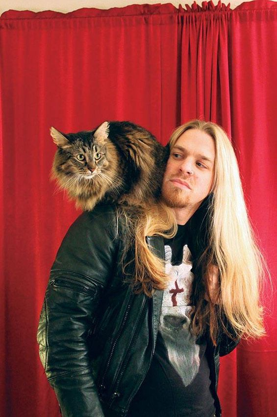 Heavy Metal cats- Photography of Metal musicians with their kitties by Alexandra Crockett.