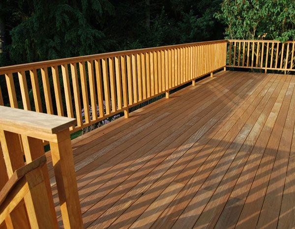 terrasse bois en hauteur sur pilotis environ 3 m tres du sol dans la canope r alis par cote. Black Bedroom Furniture Sets. Home Design Ideas