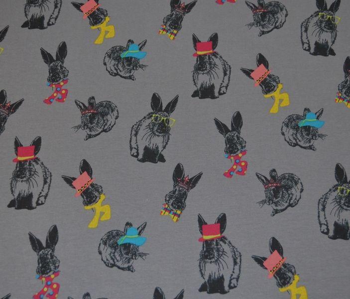 Wunderschöner Jersey von Poppy aus Holland mit lustigen kleinen Hasen mit poppigen Accessoires..  für Bekleidung, Bettwäsche uvm...