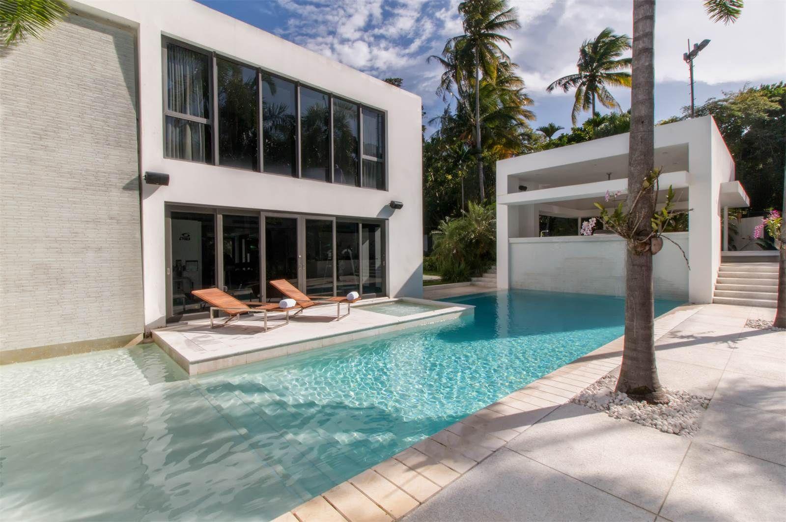 Magnificent Stately Property At 22 Dorado Beach Estates Puerto Rico Luxury Real Estate Visit For Detai Caribbean Real Estate Luxury Real Estate Real Estate