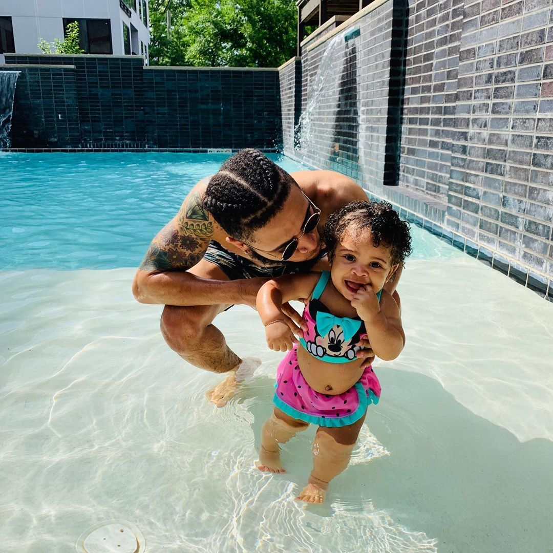 Coco butter kisses 😘 #daddyanddaughter #potd #explore #pool