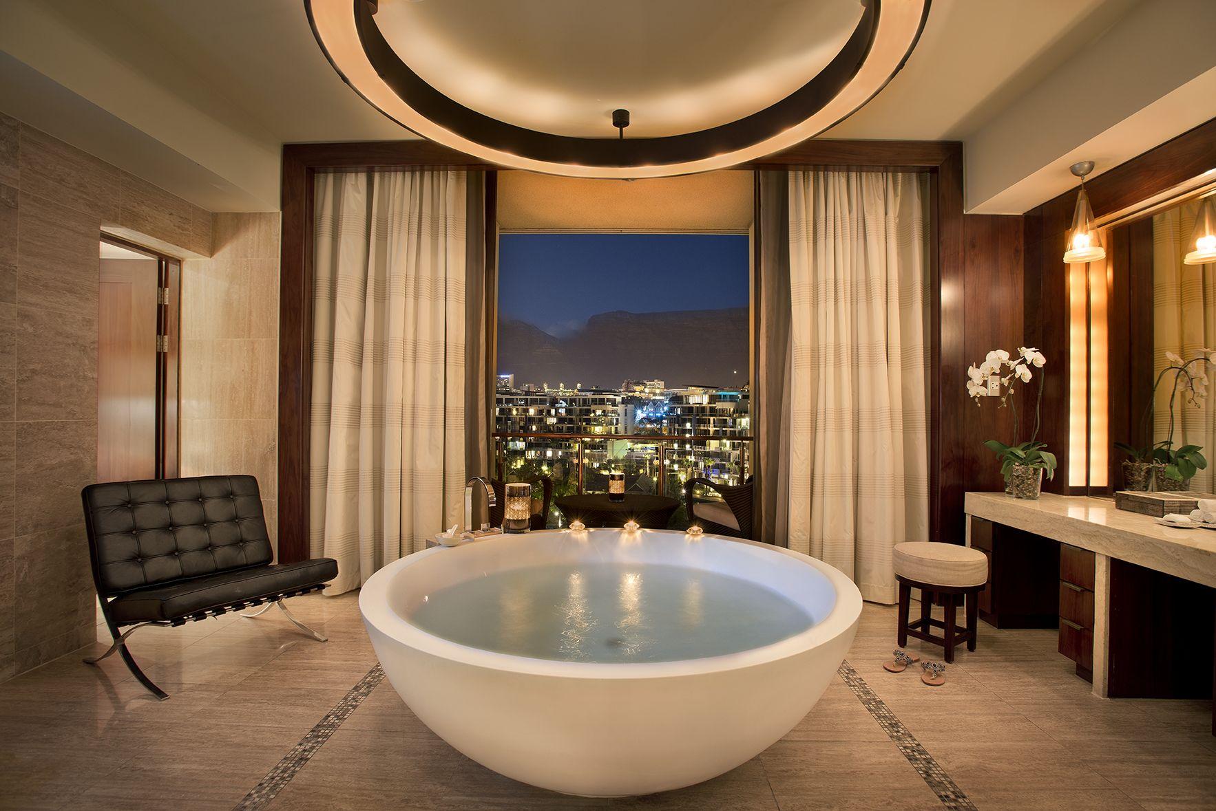 World S Best Luxury Bathrooms Bathroom Design Inspiration Bathroom Design Luxury Amazing Bathrooms