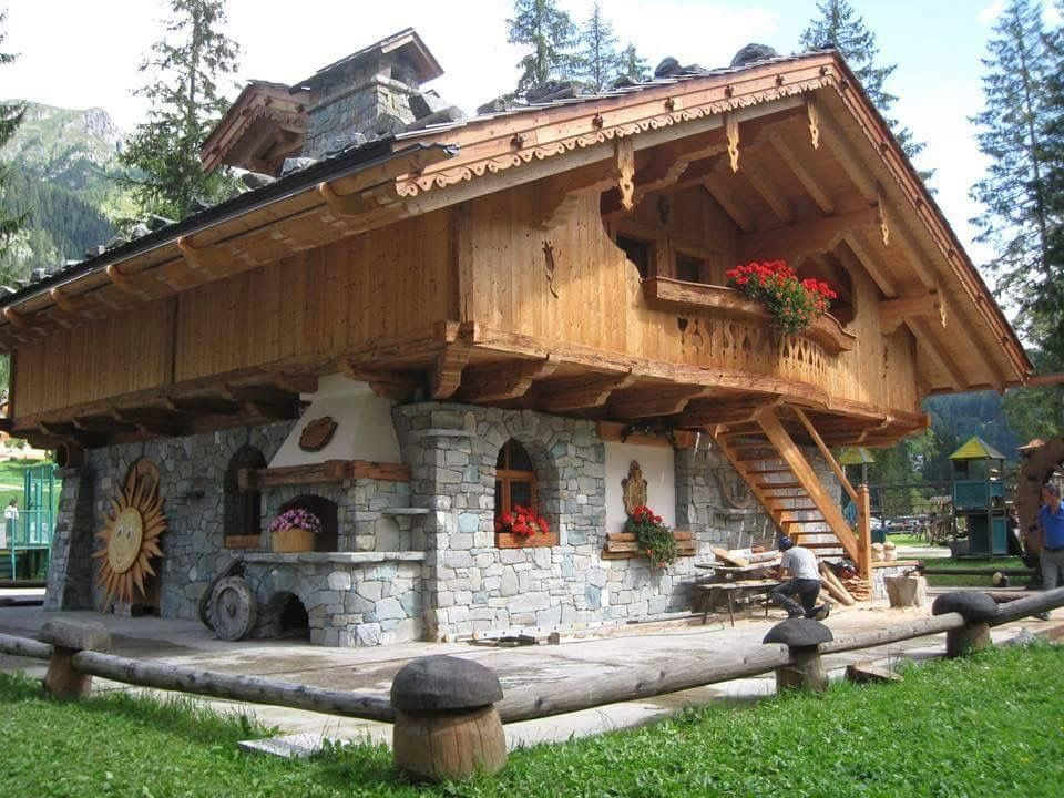 Mountain home austria baite pinterest austria for Stone and wood house plans