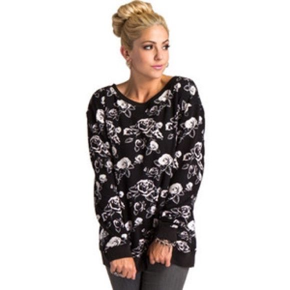 Metal Mulisha Rose Sweater 3⃣0⃣% off for 2⃣➕ items & you SAVE  on shipping ❗️ Let me know how I can help  Metal Mulisha Sweaters Crew & Scoop Necks