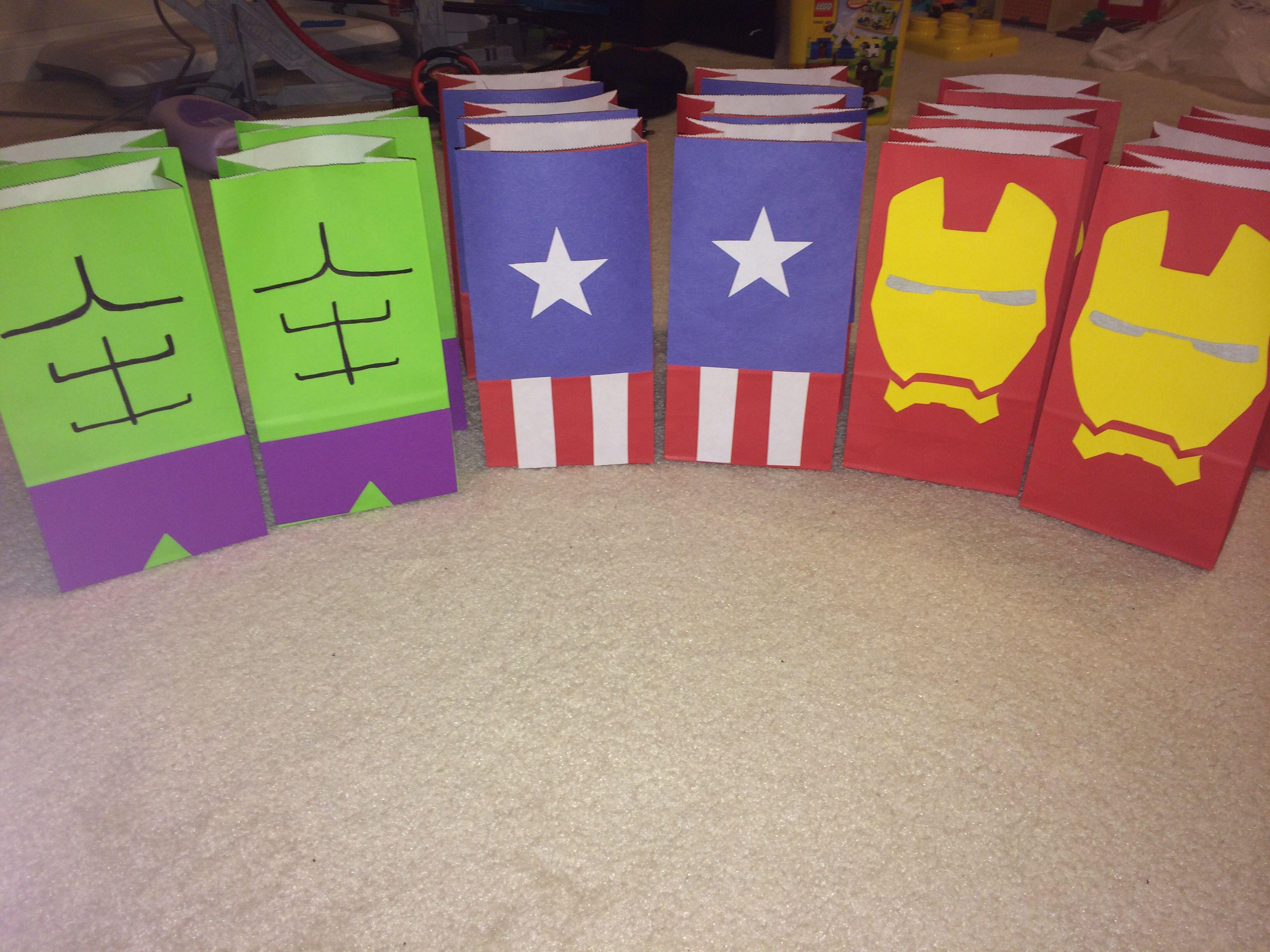 Avengers party favor bags my diys pinterest favor - Bolsas para flash ...