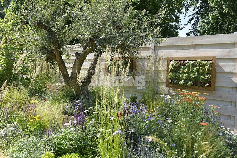 Un Petit Jardin De Relaxation Entre Rigueur Et Fantaisie Idees Jardin Les Plus Beaux Jardins Beaux Jardins