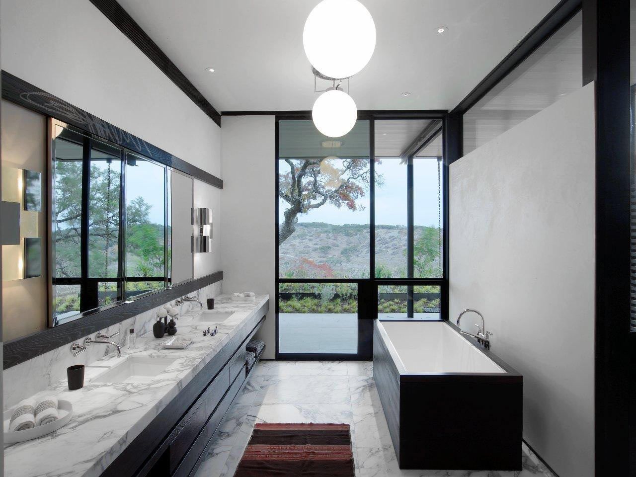 baño casa piscina