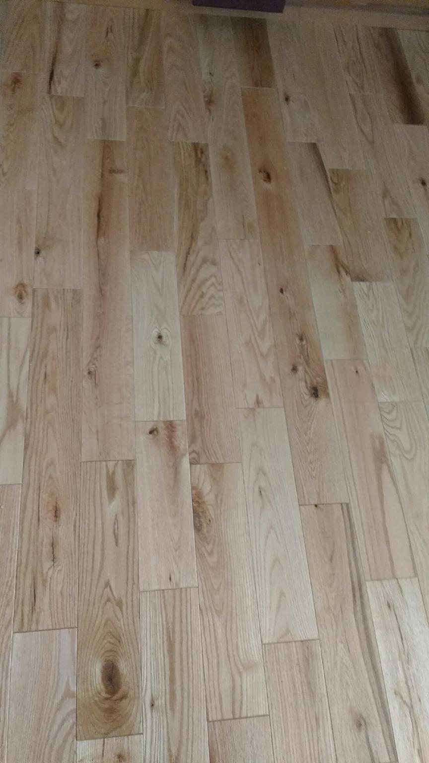 Maine Traditions Hardwood Flooring Red Oak Rustic Grade Clear Uv Finish Available In 2 1 4 3 1 4 4 Hardwood Floors Hardwood Maple Floors