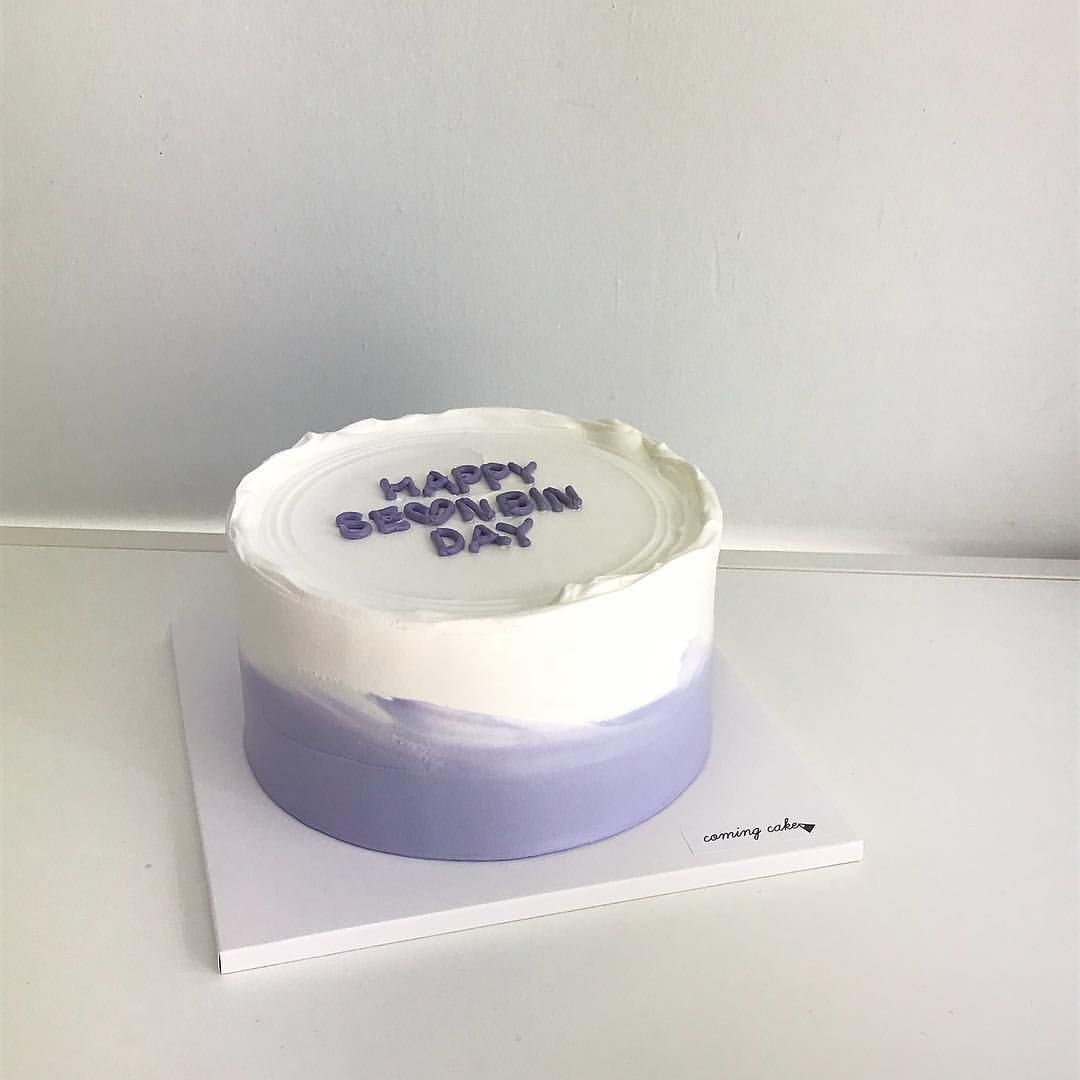 𝒉𝒘𝒂𝒔 𝒆𝒐𝒏𝒈 Ethereal Minimalist Minimal Light Pretty Beautiful Art Pastel Kawaii Delicate White Light Ko Simple Birthday Cake Pastel Cakes Sweet Cakes