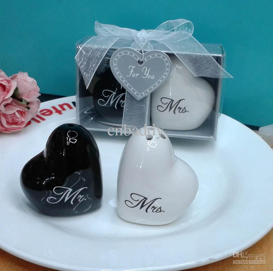 100pairs Lot Free Shipping To USA CA Via Fedex Wedding Favors And Souvenirs Heart Shaped Mr Mrs Ceramic Salt Pepper Shakers