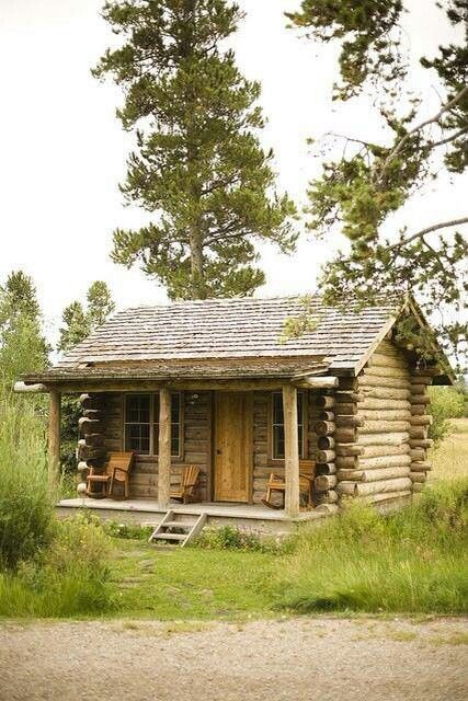 Beautiful Small Cabins In The Middle Of Nowhere Small Log Cabin Log Homes Rustic Cabin