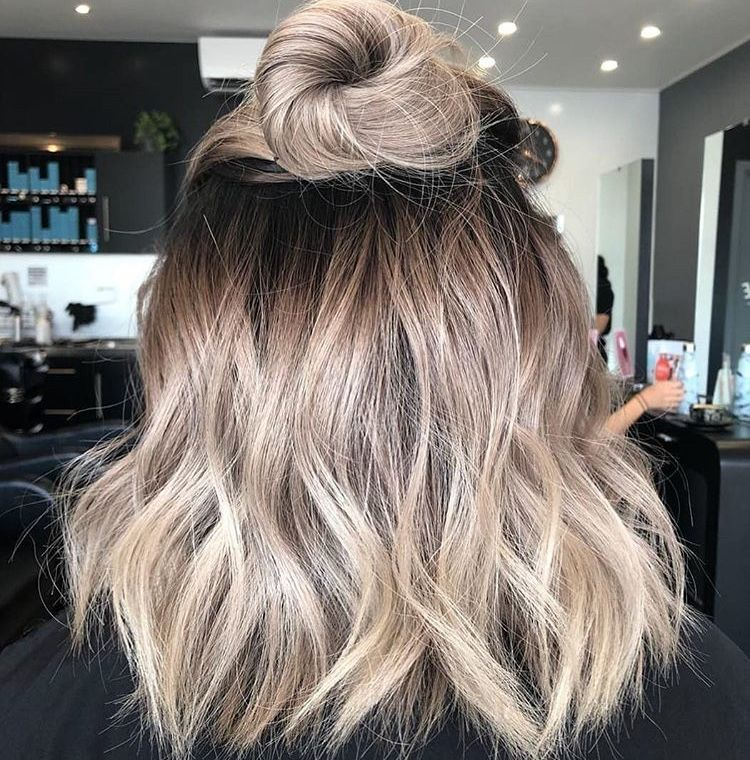 Locks To Live For Blonde Hair With Roots Hair Styles