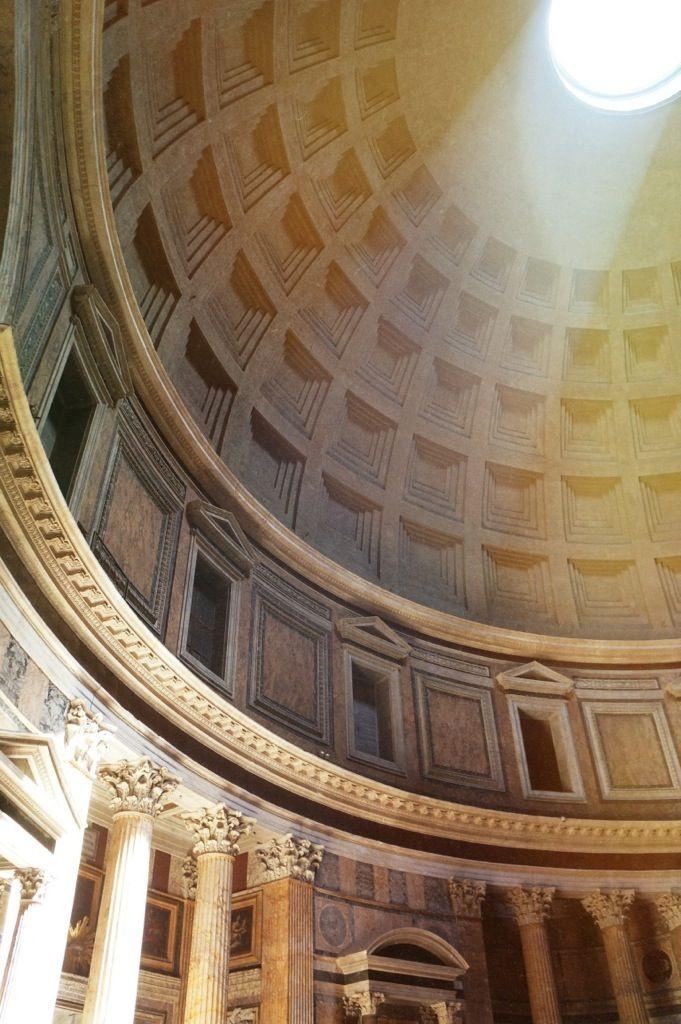 Stunning, light-filled Pantheon // Rome, Italy