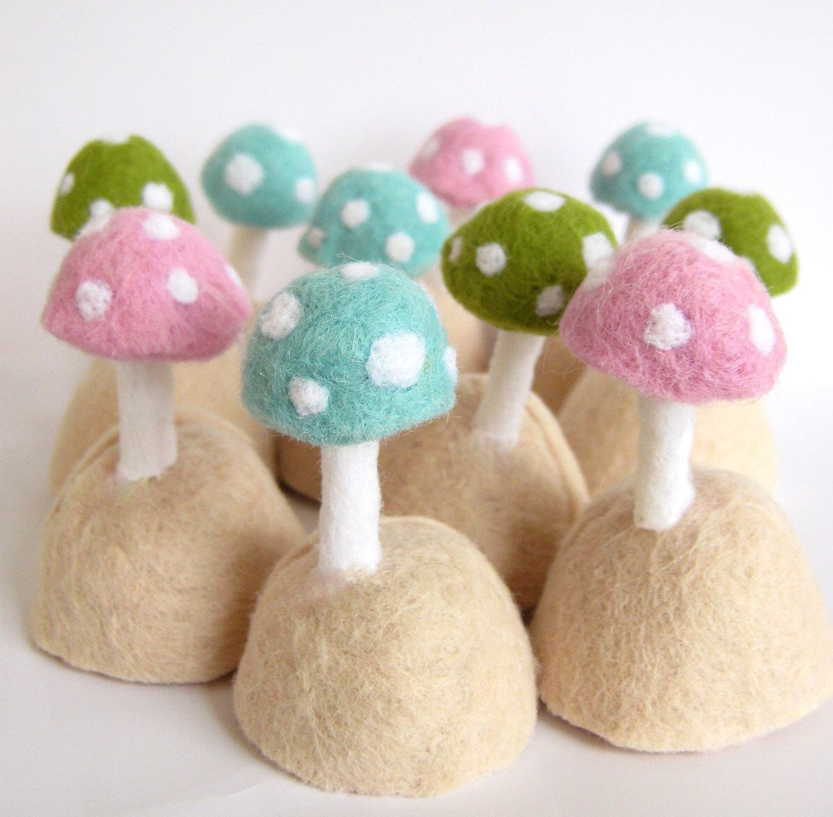 Wedding - 10 Name Card - Menu Holders - Photo Stand - Party Favor - Needle Felted Toadstools by FeltVille on Etsy https://www.etsy.com/listing/73460184/wedding-10-name-card-menu-holders-photo