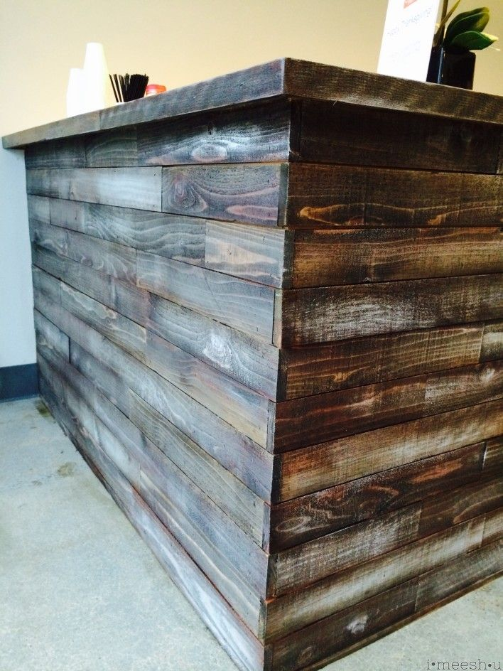 Stain And Chalk Paint To Make A Bar To Look Rustic And Weathered Tutorial And Details At Imeeshu Com Barn Wood Weathered Wood Rustic Bar