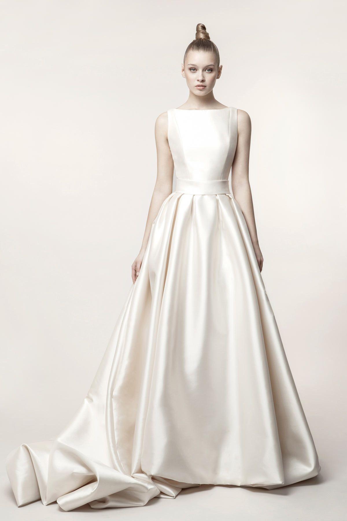 4c6ef4951 vestido-de-novia-con-tablones-y-volumen-Basaldua modelo LETICIA | De ...