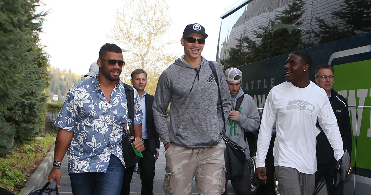 Russell Wilson Brings Seahawks Player Camp To Hawaii Completely Invested Is Our Mission Seahawks Players Jimmy Graham Seahawks Jimmy Graham