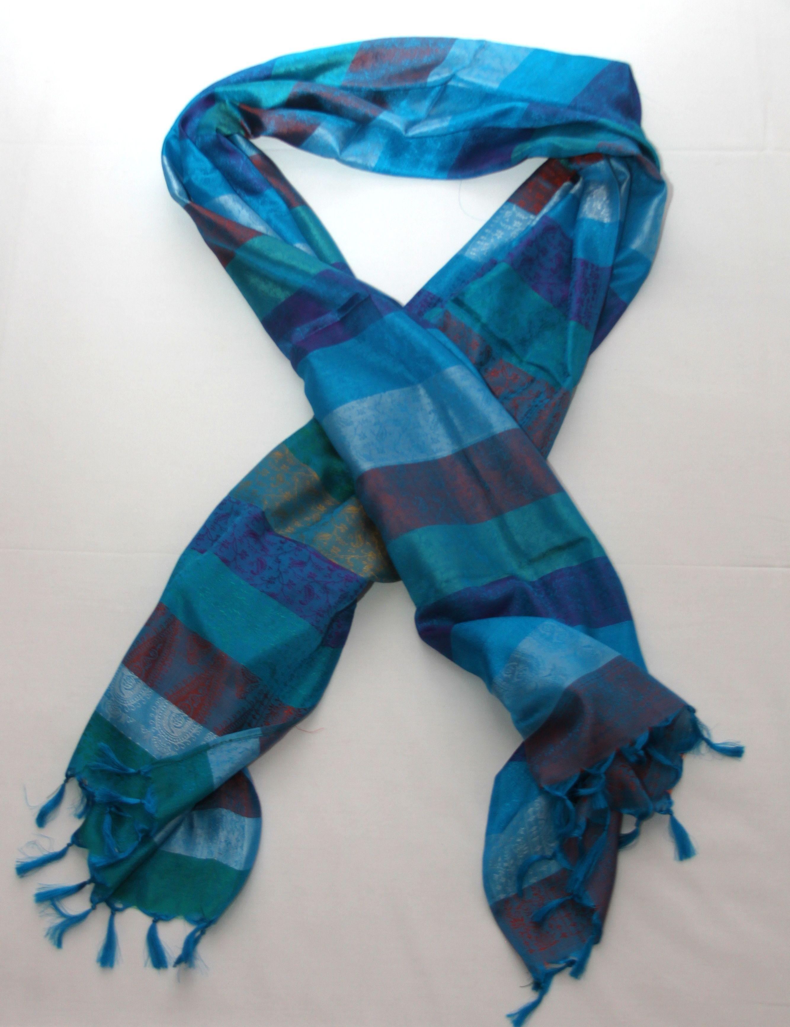 Pa±uelo azul de seda