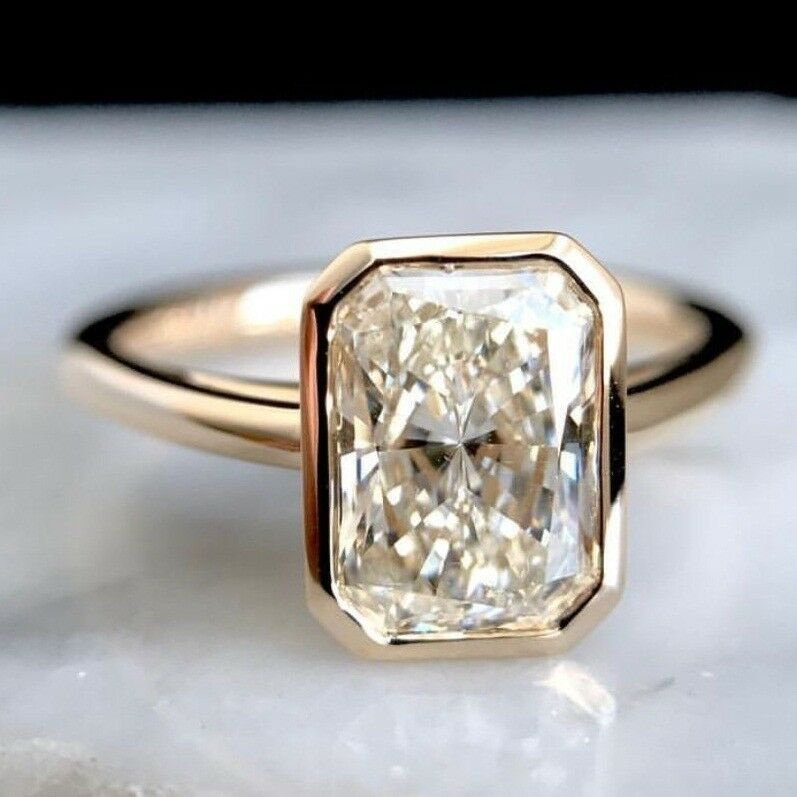 3.00Ct Emerald /& Trillion Cut White Stone Engagement Ring With Rose Gold Plated
