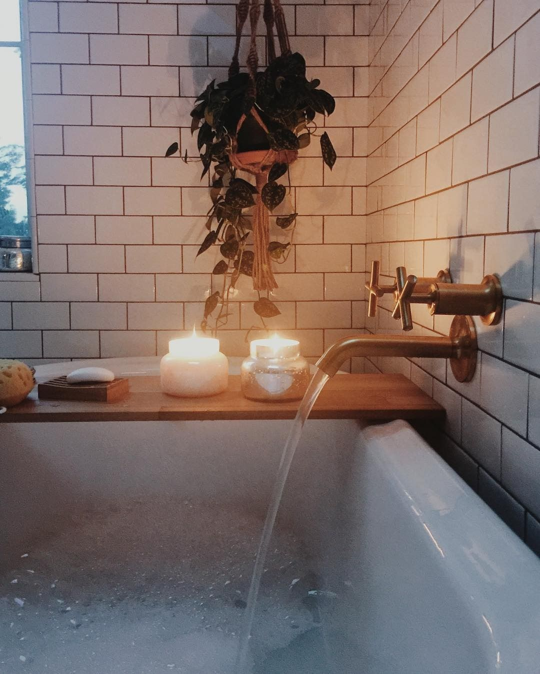 This Looks Like A Dream   Bubble Bath, Hanging Plants And Delicious Candles.