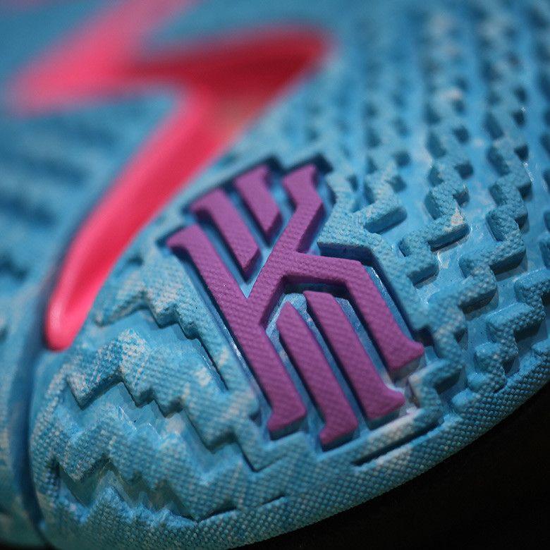 c8c5e4dd4755 Nike Kyrie 4