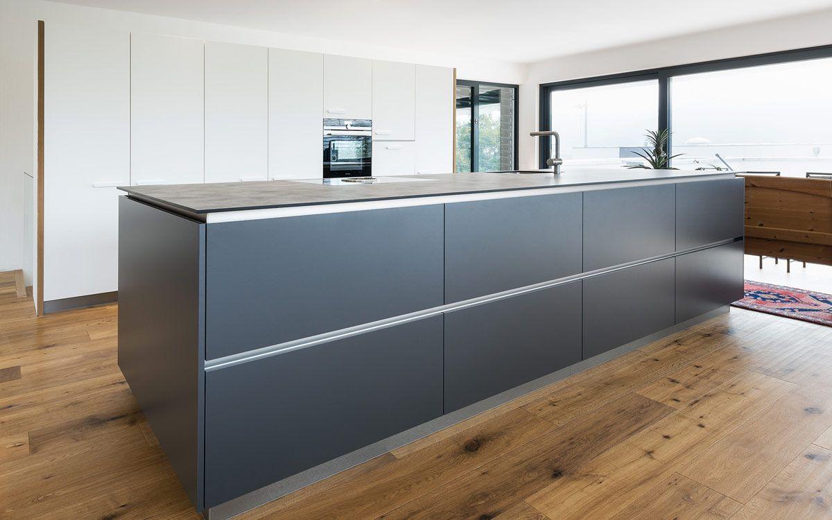 Inselküche | Inselküche, Küche und Grau und weiß
