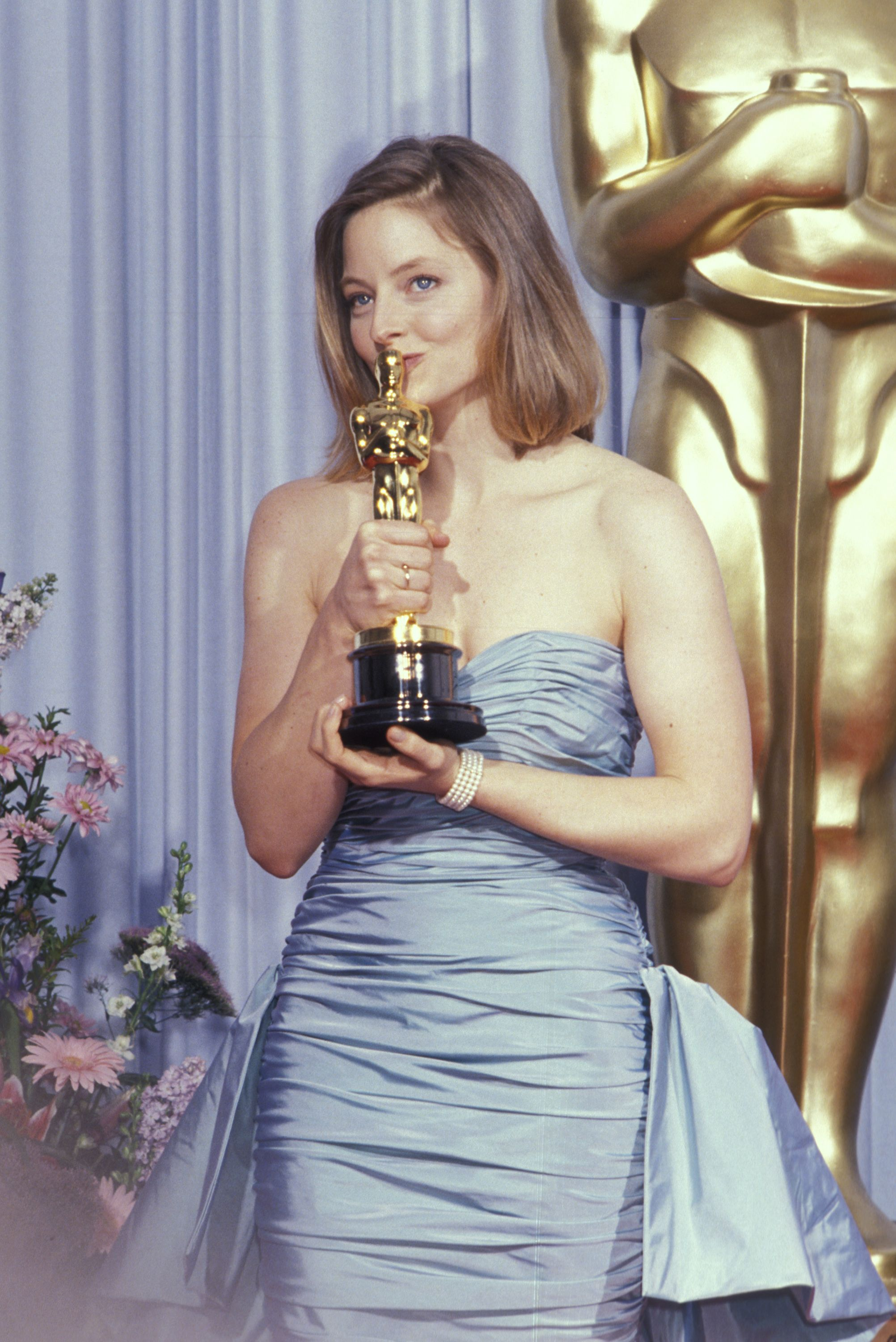 Jodie and Oscar, part 1. Jodie Foster wins Best Actress ...