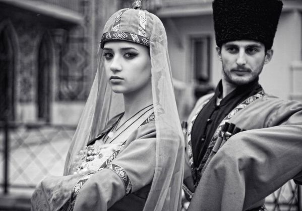 87 Best Beauty Fashion Around The World Images On: Caucasus People Traditional Costumes Of Georgia Man Woman
