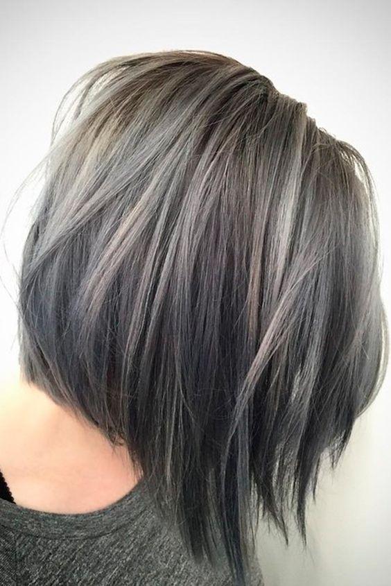 Spiksplinternieuw Graphite Grey ! Deze 10 korte kapsels in donker grijze tinten zijn FW-14